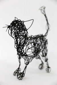 Black cat wire sculpture Sculpture Projects, Sculpture Art, Art Projects, Wire Sculptures, Welding Projects, Chicken Wire Sculpture, Stylo 3d, Wire Drawing, 3d Pen