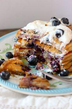 Blueberry Greek Yogurt Pancakes | diva dish