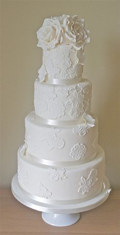 Lace Wedding Cake - Lace wedding cakes with ivory roses and falling petals. Wedding Cake Pearls, Wedding Cake Photos, White Wedding Cakes, Elegant Wedding Cakes, Cool Wedding Cakes, Elegant Cakes, Beautiful Wedding Cakes, Wedding Cake Designs, Wedding Themes