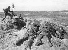 Халхин-Гол. Советские бойцы позируют фотографам