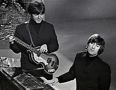 Beatles/Paul McCartney, and bits of Classic Rock/Rock n Cats. Beatles Party, Beatles Love, John Lennon Beatles, Beatles Photos, The Quarrymen, John Lennon Paul Mccartney, Gentlemen Prefer Blondes, The Fab Four, John Paul
