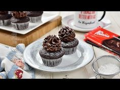 Briose cu ciocolata si ganache (CC Eng Sub) Mini Pavlova, No Cook Desserts, Mini Cupcakes, Summer Recipes, Nutella, Biscuit, Muffins, Low Carb, Sweets