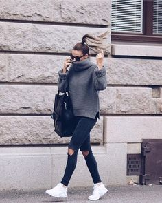 10 cute fall outfits you can wear to class! The post 10 cute fall outfits you can wear to class! appeared first on outfits. Mode Outfits, Fashion Outfits, Womens Fashion, Fashion Trends, Fashion Ideas, Style Outfits, Fresh Outfits, Casual Fall Outfits, Winter Outfits
