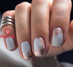 There are three kinds of fake nails which all come from the family of plastics. Acrylic nails are a liquid and powder mix. They are mixed in front of you and then they are brushed onto your nails and shaped. These nails are air dried. Best Nail Art Designs, Beautiful Nail Designs, Foil Nail Designs, Short Nail Designs, Beautiful Beautiful, Beautiful Nail Art, Faux Ongles Gel, Nagellack Design, Nagel Blog