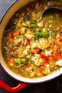 Cauliflower Soup Broccoli Cauliflower Soup — A super nutritious soup ready in 15 minutes.Broccoli Cauliflower Soup — A super nutritious soup ready in 15 minutes. Healthy Soup Recipes, Vegetarian Recipes, Cooking Recipes, Vegan Soups, Keto Recipes, Salad Recipes, Gluten Free Recipes Low Carb, Low Car Recipes, Summer Soup Recipes