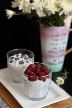 Budincă cu semințe de chia. Healthy Food, Healthy Recipes, Chia, Panna Cotta, Raspberry, Fruit, Drinks, Ethnic Recipes, Healthy Foods