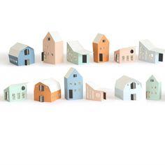 HEIM Tiny Houses is een dorpje van 12 heel diverse huisjes: oud, urban, landelijk, knus en oud maar ook nieuw en modern. Het afbouwen van het dorpje is een feest op zich. HEIM Tiny Houses is een ontwerp van Jurianne Matter.