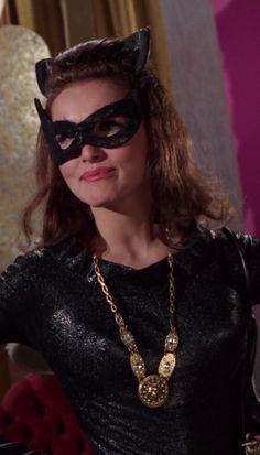 Batman,The Bat's Kow Tow   Episode aired 15 December 1966 Season 2   Episode 30,  Julie Newmar ,  The Catwoman