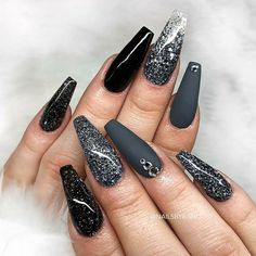 Ballerina nails gray glitter with rhinestones acrylic Gray Nails, Matte Nails, Nail Polish Designs, Nail Art Designs, Dark Nail Designs, Acrylic Nails Coffin Glitter, Coffin Nails, Black Nails With Glitter, Black And White Nail Designs