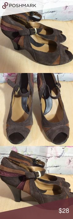 "Croft & Barrow Peep Toe Suede Leather Heels Pumps Croft & Barrow Peep Toe Suede Leather Heels Pumps ~ 3 1/2"" Heels  ~ Brown & Burgundy ~ Size 9 1/2 M ~ Shoes are in excellent condition Croft & Barrow Shoes Heels"