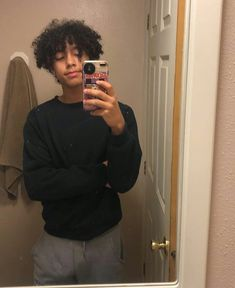 hittin - New Site Cute Lightskinned Boys, Cute Black Guys, Cute Teenage Boys, Black Boys, Hot Boys, Cute Guys, Pretty Boys, Black Men, Boys With Curly Hair