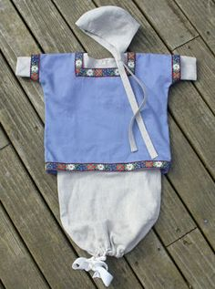 Baby garb! Not Tudor, but oh so adorable for the tiniest of historical re-creation players :)
