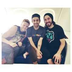 Are scott and mitch dating in Australia