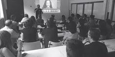 El pasado día 19 tuvimos la oportunidad de disfrutar de una máster class en edición fotográficfa en las aulas de Coco School de la mano de Kanito Lillo.