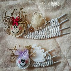 angelito tejido con rollitos pintados de papel periodico Handmade Christmas, Christmas Crafts, Christmas Ornaments, Basket Weaving Patterns, Straw Art, Diy And Crafts, Arts And Crafts, Willow Weaving, Magazine Crafts