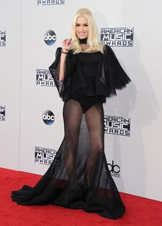 Gwen Stefani arrives at the 2015 American Music Awards at Microsoft Theater on November 22, 2015 in Los Angeles, California.