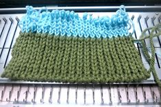 How to machine knit full needle rib — Picture Healer - Art and craft tutorial, Chinese herbal wellness, Feng Shui design tips Knitting Tutorials, Knitting Patterns Free, Free Pattern, Loom Knitting Stitches, Knitting Needles, Brother Knitting Machine, How To Start Knitting, Craft Art, Chinese Medicine