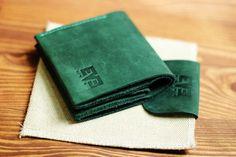 """Leather wallet men, Best minimalist wallet, simple wallet, handmade wallet, green wallet, black wallet, Genuine Leather Wallet, """"Sredniy"""""""