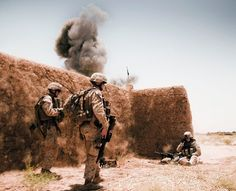 US Marines from Battalion, Marines conduct a controlled detonation of IEDs in Afghanistan x : MilitaryPorn Marsoc Marines, Us Marines, Marines In Combat, Marine Raiders, Afghanistan War, Military Pictures, Us Marine Corps, Usmc, Windows Wallpaper
