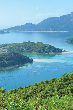 Discover the beautiful Indian Ocean