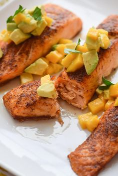 This Skinny Chili Salmon with Avocado and Mango has only six ingredients and cooks in a flash. Ready in under 30 minutes, full of spice and so good for you!