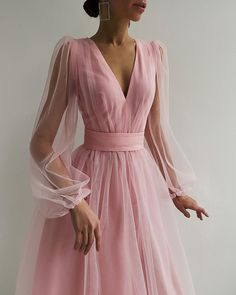 Makeuphall: The Internet`s best makeup, fashion and beauty pics are here. Elegant Dresses, Pretty Dresses, Beautiful Dresses, Dress Dior, Dress Up, Tulle Dress, Pink Dress, Evening Dresses, Prom Dresses
