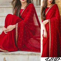 Dress hijab bridesmaid red 63 Ideas Source by dresses hijab Trendy Sarees, Stylish Sarees, Fancy Sarees, Stylish Dresses, Saree Designs Party Wear, Party Wear Sarees, Saree Blouse Designs, Chiffon Saree Party Wear, Pakistani Bridal Dresses