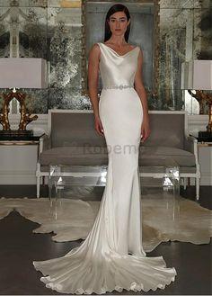 Robe de mariée perle traine satin stretch naturel sans manches