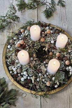 I dag er der kun syv uger til søndag i advent Christmas Tree Inspo, Christmas Advent Wreath, Christmas Candle Decorations, Advent Candles, Christmas Inspiration, Christmas Crafts, Holiday Decor, Table Decorations, Danish Christmas