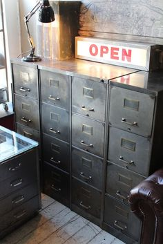 1930'S STEEL 4 DRAWER FILING CABINET | discoverattic