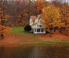Autumn - I don't know who's house this is but I'm pretty sure if it was mine I'd never leave.