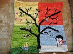 4-Jahreszeitenkissen - Ein Baum in allen Jahreszeiten - gehäkelt in der Größe eines Sofakissens (40 x 40 cm)