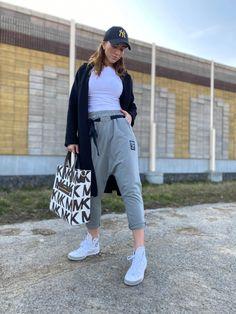 Capri Pants, Casual, Style, Fashion, Swag, Moda, Capri Trousers, Fashion Styles, Fashion Illustrations