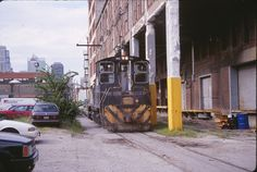 https://flic.kr/p/9yYbRg | GWWR SW1500 # 1506 | Gateway Western SW1500 # 1506 still wearing PLE colors switchs street trackage serving the Kansas City Star newspaper spur in downtown KC,MO on July 31st 1996. Sad to say this line is no longer in service