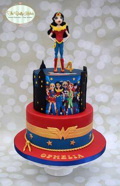 DC Superhero Girls Cake wonder woman