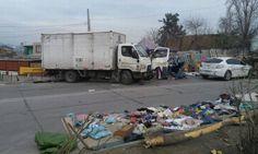 Adolescente de 12 anos rouba caminhão e atropela multidão no Chile - Jornal O Globo