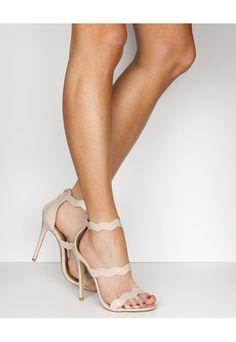 bridesmaide shoe suggestion(http://www.bubbleroom.se/sv/skor/kvinna/have2have/festskor-3/sandaletter-bree-beige)