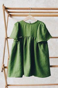 Little Girls Handmade Green Linen Dress | TinyStoriesClothes on Etsy