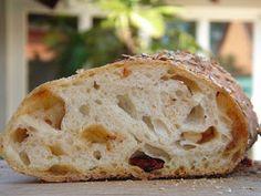 Nem vagyok mesterszakács: Pain paillasse - svájci gyökérkenyér napon szárított paradicsommal. Gyökérkenyér formázása lépésről lépésre! Hungarian Recipes, Ciabatta, Croissant, Bread Recipes, Food And Drink, Baking, Breads, Kitchen, Diet