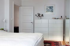 White walls and white furniture