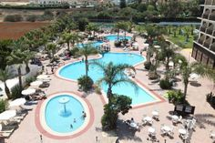 Tsokkos Gardens Hotel Protaras Located in Protaras, Tsokkos Gardens Hotel offers an outdoor swimming pool and a terrace with outdoor furniture. The hotel is 800 metres from Sunrise Beach, 2.5 km from Kalamies Beach and 3.8 km from Konnos Beach.