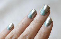 Diseños de uñas con cinta, diseño uñas cinta plata.   #uñas #nailsCLUB #uñasdemoda