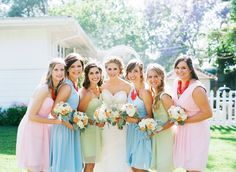 All the girls together - #vintageweddingbouquets