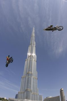 Sky flying stunts at 2nd Freestyle Moto X weekend in Downtown Dubai
