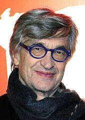 Wim Wenders (geboren als Wilhelm Ernst Wenders; * 14. August 1945 in Düsseldorf) ist ein deutscher Regisseur und Fotograf. Gemeinsam mit anderen Autorenfilmern des Neuen Deutschen Films gründete er 1971 den Filmverlag der Autoren. Seit 2003 ist er Professor für Film an der Hochschule für bildende Künste Hamburg.