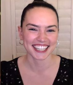 Star Wars Sequel Trilogy, Star Wars Cast, Daisy Ridley, English Actresses, Her Smile, Celebrities, Faces, Artists, Celebs