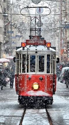Winter, Christmas time, Tram by Niyazi Uğur Genca - Istanbul / Turkey. What a beautiful shot! Winter Szenen, Winter Magic, Winter Time, Beautiful World, Beautiful Places, Trains, Snow Scenes, Winter Beauty, Belle Photo