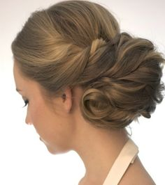 Wedding hair style - by BeautifulBrideCompany.nl