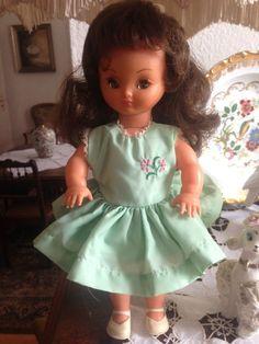 Belle poupée ancienne BELLA