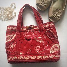 9c5d881b613 Vera Bradley Mesa Red Mini-bag This minibag is a retired Vera Bradley print  and